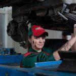 Regelmæssige serviceeftersyn er vigtige for din bil